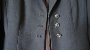 button holes pre